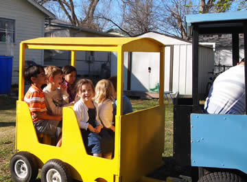 Trackless Train, in  your backyard or on location!